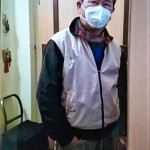 散歩前にFFP2マスクを着用する筆者(2021年2月7日、ウィーンで)