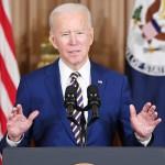 4日、ワシントンの米国務省で、外交政策について演説するバイデン大統領(AFP時事)