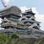 足場が組まれ復旧工事中の天守閣(2019年9月)