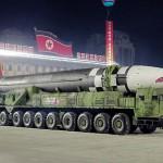 平壌で開催された軍事パレードで披露された北朝鮮の大陸間弾道ミサイル(ICBM)=2020年10月、朝鮮中央通信が配信(EPA時事)