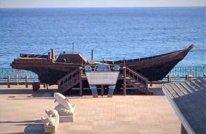 2009年に日本海を南下し韓国に亡命した脱北者11人を乗せた船。現在、韓国・江陵市の「統一公園」に展示されている(18年1月撮影)