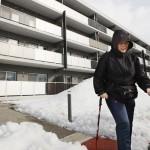 プレハブ住宅の入居者28人、コロナ禍で交流減