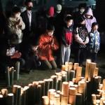 熊本地震から5年、竹灯籠で犠牲者を悼む