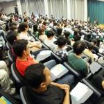 4月23日、香港大学の講堂で行われた学生の歓迎集会(香港大学学生会のフェイスブックより)