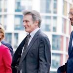 欧州連合(EU)の左からフォンデアライエン欧州委員長、サッソリ欧州議会議長、ミシェル大統領=2020年1月、ブリュッセル(AFP時事)