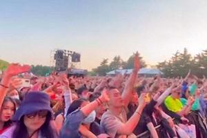 5月1日、上海市で開催された「イチゴ音楽祭」(スクリーンショット)大紀元5月3日から
