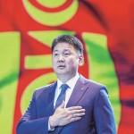 モンゴル大統領に就任したモンゴル人民党のフレルスフ氏=5月24日、ウランバートル(AFP時事)