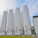 福島水素エネルギー研究フィールド(FH2R)にある水素を貯蔵しているガスホルダー=福島県浪江町