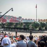 中国の大陸間弾道ミサイル(ICBM)「東 風 41」 2019年10月、北京(EPA時事)