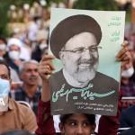イラン大統領選でライシ師の当選を喜ぶイラン有権者(IRNA通信から、2021年6月19日)
