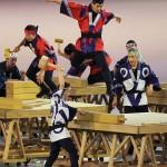 開会式で披露されたアトラクション。日本の文化を感じさせる=23日、国立競技場