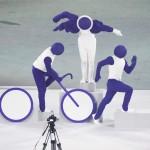 東京五輪の開会式で披露されたピクトグラムを再現するパフォーマンス 23日、国立競技場(UPI)