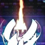 東京夏季五輪開会式で聖火台に火を灯した大坂なおみ(2021年7月23日、オーストリア国営放送の中継から)