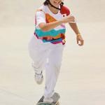 スケートボード女子ストリート決勝で演技を終え、笑顔を見せる西矢椛選手=26日、有明アーバンスポーツパーク