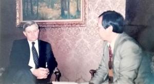 インタビューに応じるミラン・クーチャン大統領(1991年1月、リュブリャナで)
