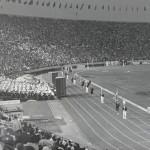 1964年東京五輪の開会式(Wikipediaより)