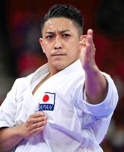 東京五輪の空手男子形で金メダルを獲得した沖縄県出身の喜友名諒選手