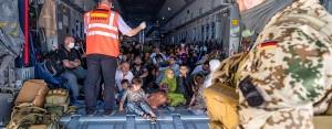 アフガンから避難する人々を支援する独連邦軍(独国防省公式サイトから)
