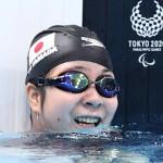 競泳女子100㍍背泳ぎ(運動機能障害S2)決勝で泳ぎを終えた山田美幸=25日、東京アクアティクスセンター