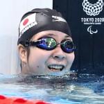 「カッパになれたよ」競泳女子100メートル背泳ぎ(運動機能障害S2)決勝で泳ぎを終えた山田美幸=25日、東京アクアティクスセンター