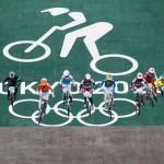 東京五輪のBMXコースの上にあるBMXのピクトグラム(UPI)
