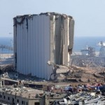 2020年8月5日、レバノンの首都ベイルートで発生した爆発事故の現場(UPI)