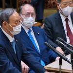 6月、国会の党首討論に立つ菅首相(UPI)