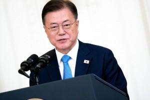 5月21日、ホワイトハウスでの朝鮮戦争の栄誉式典で演説する文在寅大統領(UPI)