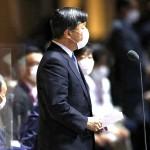 天皇陛下は東京五輪の開会式に出席し、開会宣言された=23日、国立競技場(AFP時事)
