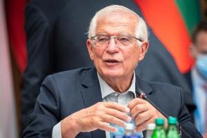 2日、スロベニアのクラーニで、欧州連合(EU)の会合に臨むボレル外交安全保障上級代表(外相)(AFP時事)