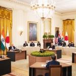 24日、米ホワイトハウスで開かれた日米豪印4カ国(クアッド)首脳会議(EPA時事)