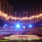 閉会式で打ち上げられた花火=8日、国立競技場