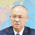 インタビューに応じる台湾政府交渉トップの政務委員(閣僚)=18日、台北(時事)
