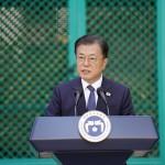 米ニューヨークでの国連総会出席後、22日にハワイ州ホノルルを訪れた韓国の文在寅大統領(EPA時事)