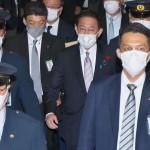 国会を後にする岸田文雄首相=11日午後(UPI)