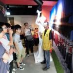 7月2日、香港の尖沙咀(チムサーチョイ)にある六四記念館(天安門事件記念館)は1日の民主化デモの翌日ということもあり、香港や中国の若者であふれ、館員の説明を熱心に聞いていた