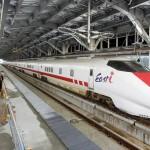 「イースト・アイ」、北陸新幹線試験走行開始