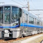 JR西日本が新型車両を報道陣に公開