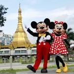 ディズニーの営業、ミッキーとミニー海外出張
