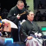 大相撲の元小結の豊真将、両国国技館で断髪式